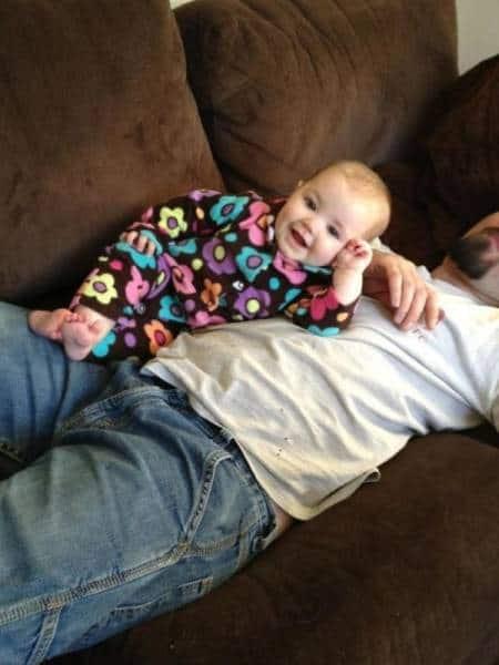 Бебе на диван
