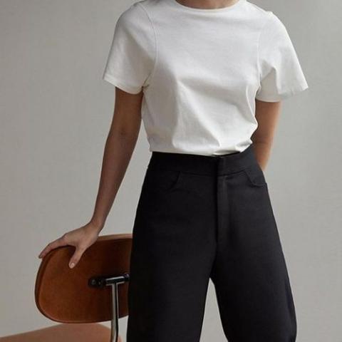 Модел бяла тениска 16