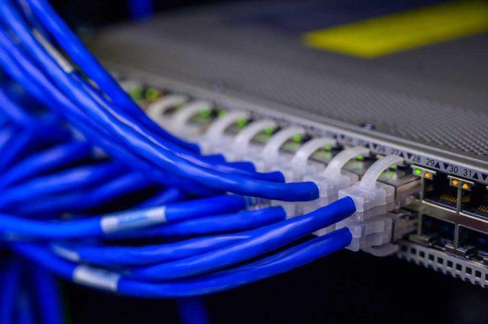 оптичен интернет