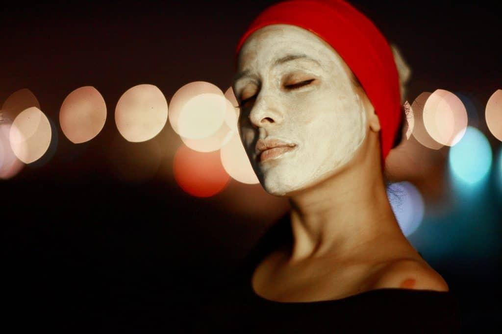 Пролетно възстановяване: Естествени маски за лице, които можете да направите у дома