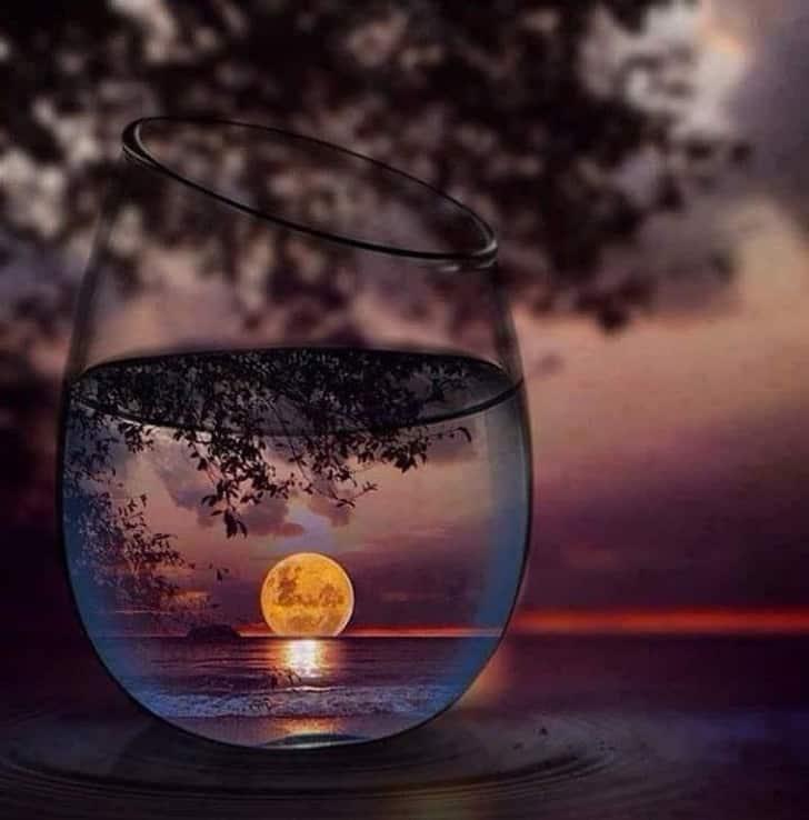 луна в чаша