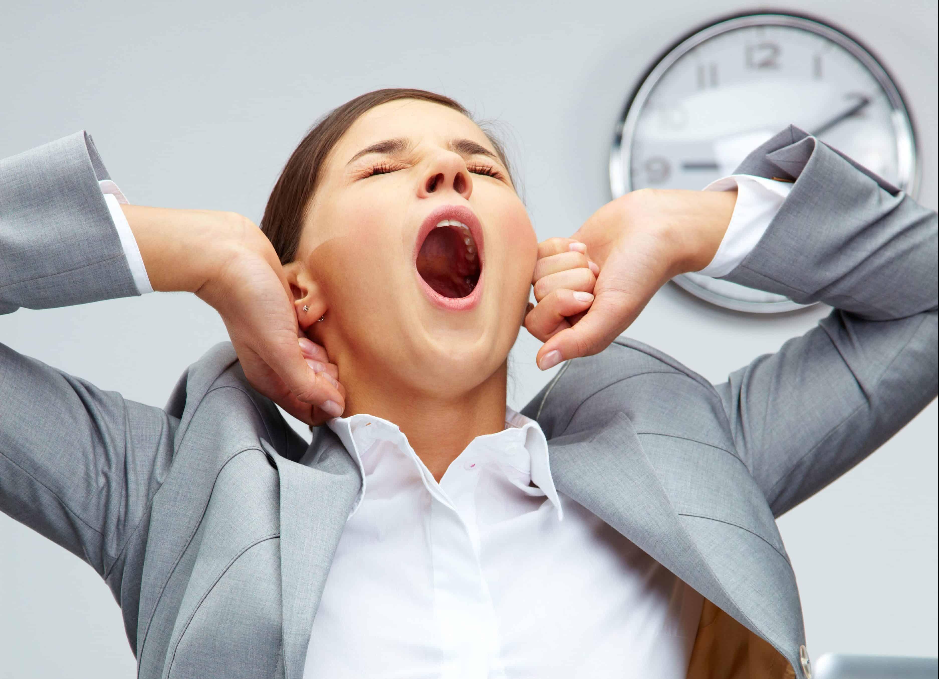 Картинки зевающих людей